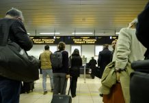 De 25 de ani din România emigrează 16 oameni pe oră. Ca în vreme de război!