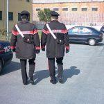 Foggia – își dădea pantalonii jos și făcea gesturi obscene în fața unei școli. Arestat un român.