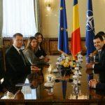 """Klaus Iohannis: """"PSD-ului îi spun că această atitudine necooperantă cu președintele României este nesănătoasă""""."""