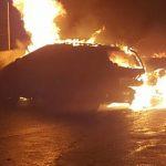 Sardegna – mașina unui român incendiată la Villacidro, carabinierii în căutarea făptașului.