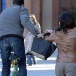 Vicenza – furt împiedicat de o îngrijitoare româncă. Jefuitorul a încercat să fure poșeta unei bătrâne de 97 de ani.