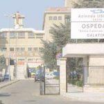 Lecce – naște singură în casă dar copilul moare. Medicii care au consultat-o, anchetați pentru ucidere din culpă.