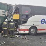 Un român decedat și alți șase români răniți într-un accident grav în Ungaria în care a fost implicat și un autocar românesc.