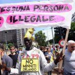 """Milano – """"Împreună fără ziduri"""", zeci de mii de oameni au manifestat împotriva rasismului și a intoleranței"""