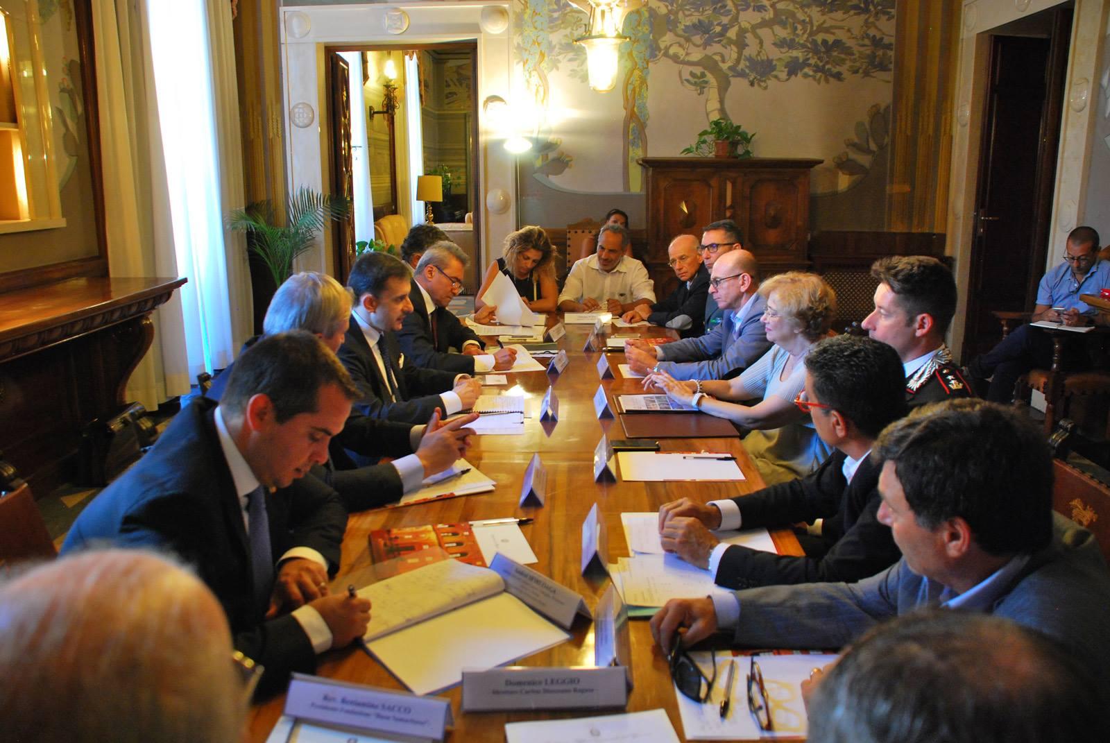 Întâlnirea ambasadorului George Bologan cu prefectul de Ragusa, Maria Carmela Librizzi