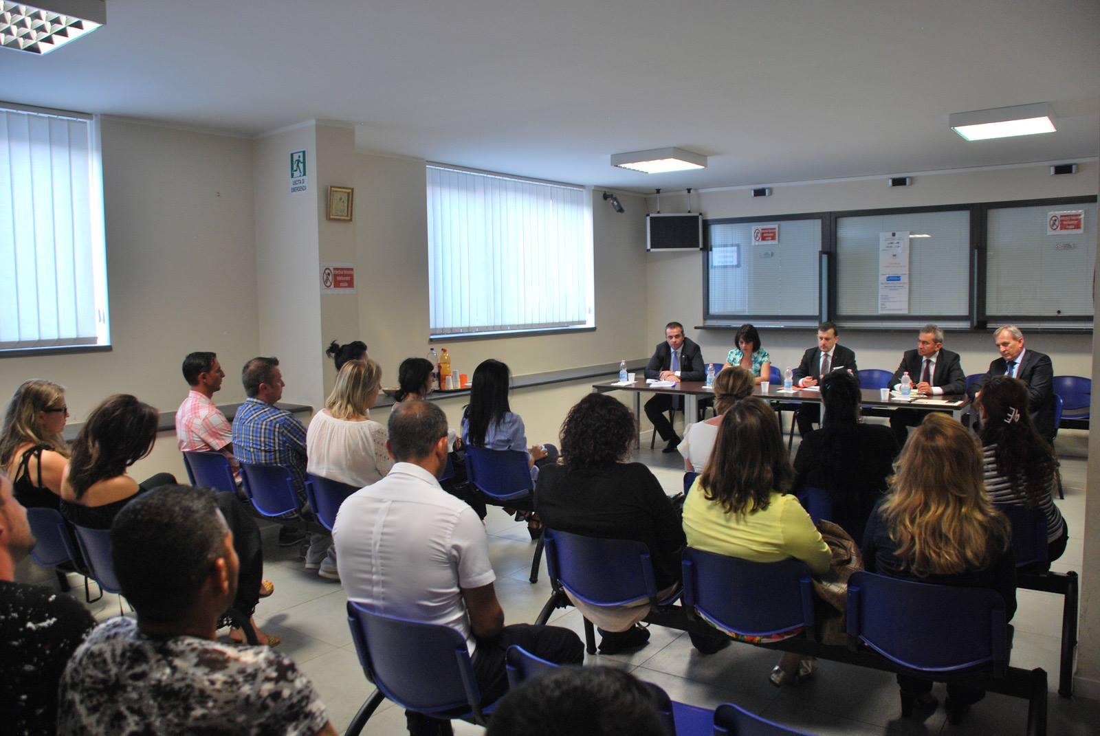 Întâlnirea cu membrii comunității românești, la Consulatul de la Catania